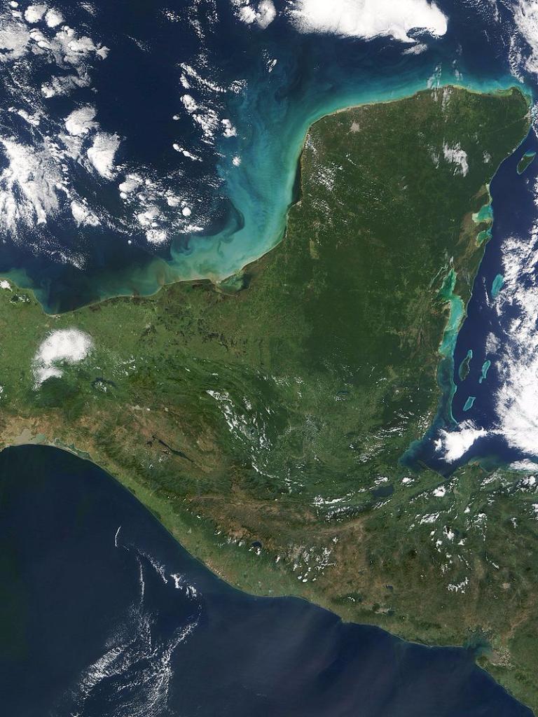 800px-Yucatan_peninsula_250m